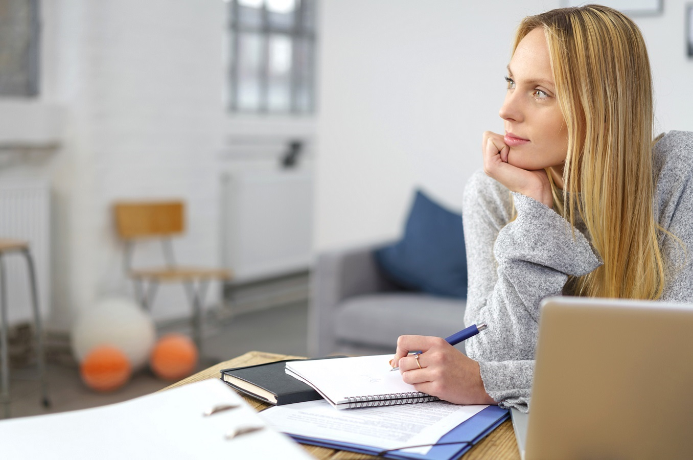 Career Coaching Workshop London: Woman Working Out Her Next Career Move